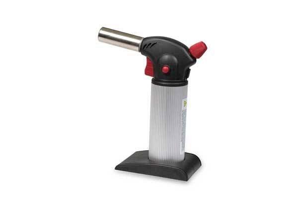 Gorilnik za flambiranje je odličen pripomoček za ustvarjanje slaščic.